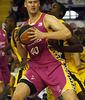Paul Davis ante Juan Palacios (ACB Photo / Tolo Parra)