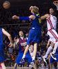 Wallace y Augustine luchan por el rebote (foto: ACB PHOTO/Alex Caparrós)