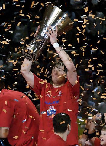 Smodis alza la Copa (foto: FM)