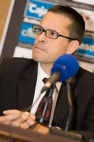 Pedro Martínez, reflexivo (Foto: baloncestosevilla.com)