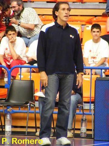 José María Solsona muy intenso en la banda (Foto: Pablo Romero)
