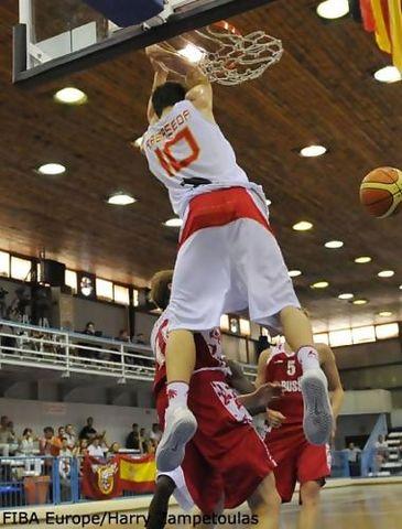 Xavi Rabaseda fue el héroe del estreno frente a Rusia (foto FIBA Europe)