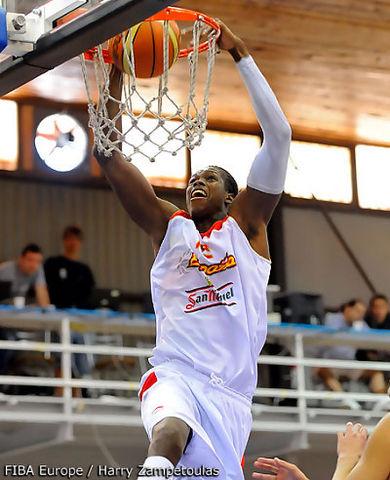 Mamadou Samb fue el revulsivo en varios momentos del partido (foto FIBA Europe)