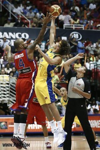 Varejao se llevó su duelo particular frente a PJ Ramos (foto: fiba.com)