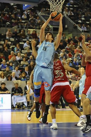 Suarez, dominante en defensa y en ataque(ACB PHOTO/ A.Martín)