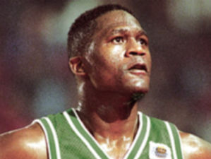 Dominique Wilkins con la camiseta de Panathinaikos