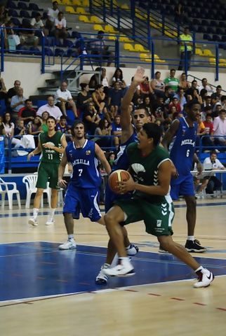 Jhornan Zamora (Foto: Club Melilla Baloncesto)