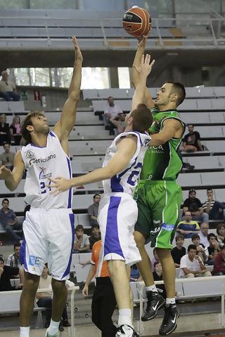 Asier Zengotitabengoa demostrará en la Adecco Oro por qué ha sido el mejor nacional de la Plata (Foto: Víctor Ibáñez/Diario del Alto Aragón)