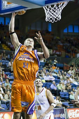 Javtokas hizo un mate (Foto: Lafargue)