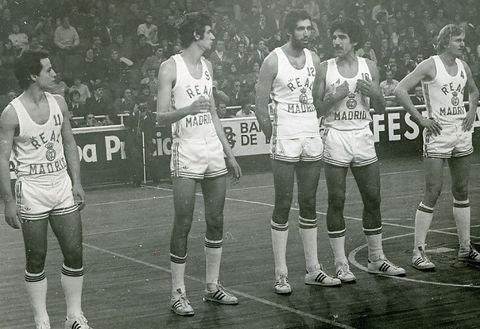 Un, entonces, emergente Juan Corbalán junto a los grandes del momento, Luis María Prada, Rafa Rullán, Walter Szczerbiak o Wayne Brabender