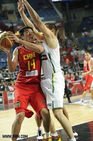 Wang ZhiZhi, uno de los mejores nacionales en la CBA (Foto: FIBA)