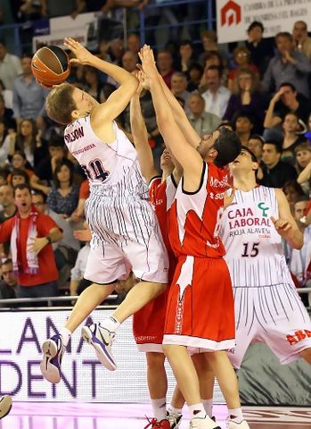 Baskonia gano en Manresa (foto: ACB PHOTO/J.Alberch)