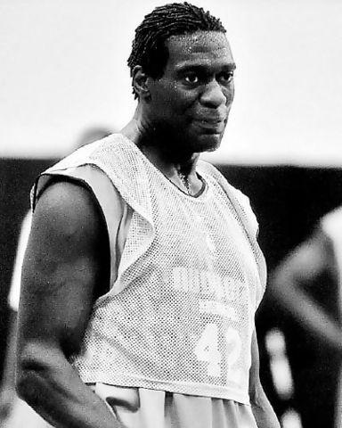 Shawn Kemp en un <i>training camp</i> de los Nuggets (Denver Post/Steve Dykes)