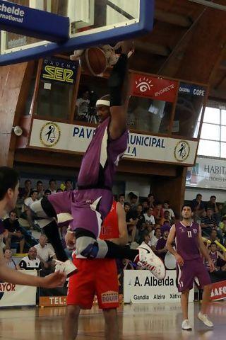 Mate de Shay Miller (foto basquetmaniàtic)
