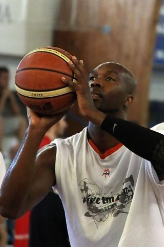 Shay Miller calentando (foto basquetmaniàtic)