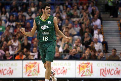 La garra de Alex Abrines (Foto: M. Pozo/ACB Photo)