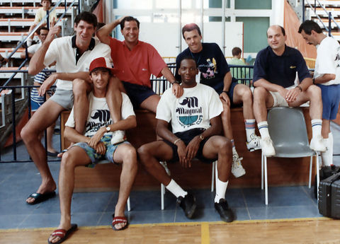 Mariano Pozo con Fernando Martín, Javier Imbroda, Mike Smith y Quim Costa, en un Campus de verano (Foto: Mariano Pozo)