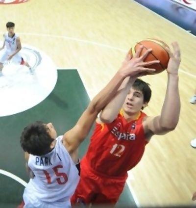 David Iriarte, volumen y movilidad para la selección (foto FIBA.com)