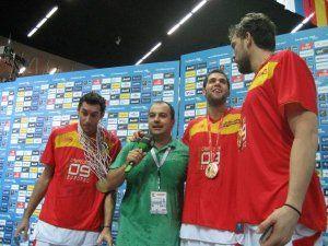 Mel Otero entrevistando a Rudy, Felipe Reyes y Marc Gasol