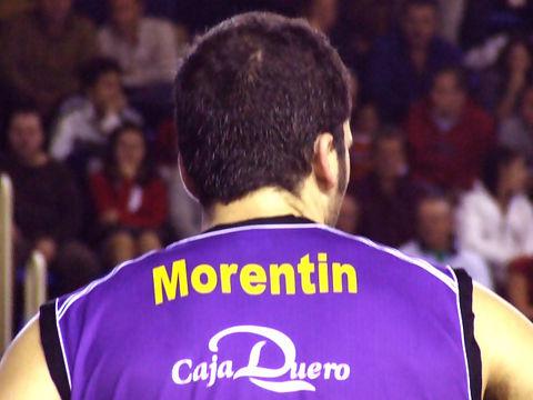 Roberto Morentin, 7 puntos en 11 minutos (foto: Fran Martínez)