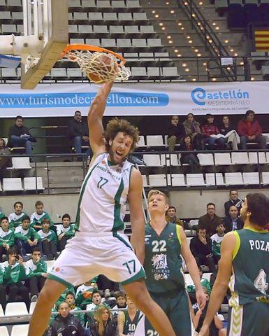 La gran actuación de Víctor Hidalgo no le sirvió a Amics Castelló para ganar (foto Pascual Cándido)