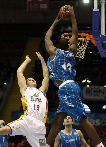 Williams se dispone a matar (ACB Photo / Tolo Parra)