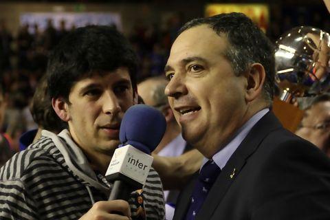 Andreu Casadevall, entrevistado por los medios