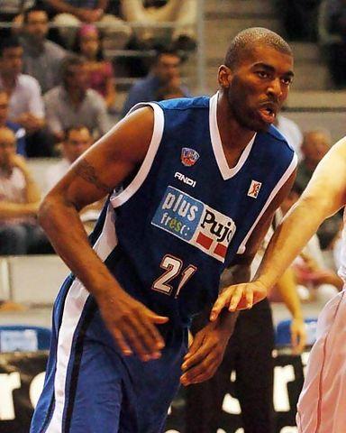 Derrick Alston deja Lleida