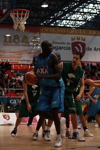 Michel Diouf, con el balón