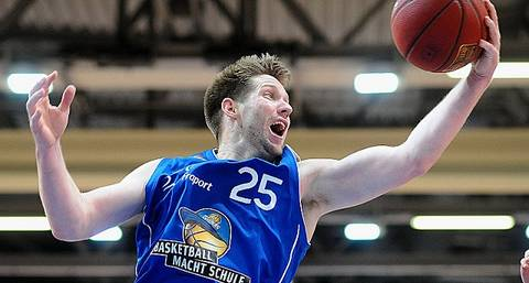 Burtschi, un viejo conocido ACB, estrella en Finlandia
