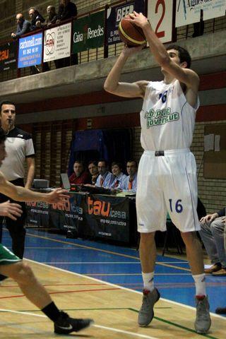 Guillem Vives, decisivo desde 6,75 (foto basquetmaniàtic)