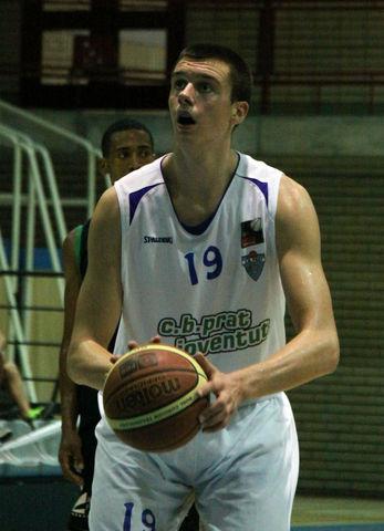 Zoran Nikolic se estrenó con el CB Prat (foto basquetmaniàtic)