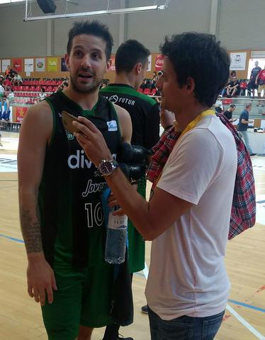 Nico Laprovittola entrevistado por Carlos Jiménez (Foto: Solobasket.com)