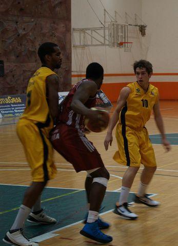 Lance Kearse (ISB) y Samuel Domínguez (Gran Canaria 2014)