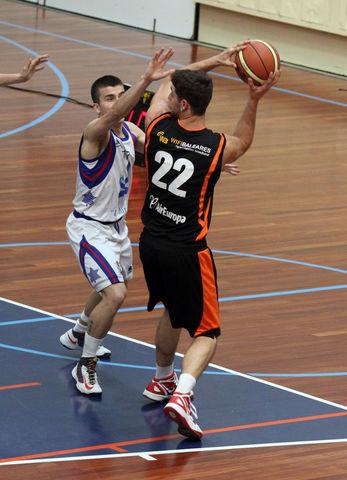 Stefan Asanin con el Wifibaleares Bàsquet Mallorca (foto basquetmaniàtic)