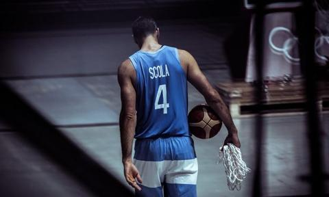 Foto: FIBA. Scola en su último partido con Argentina en los Juegos Olímpicos de Tokyo