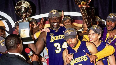 Lakers celebrando el título de 2001