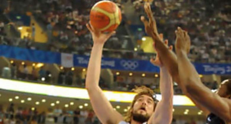 Marc Gasol luchó debajo de los aros (Foto: FIBA.COM)