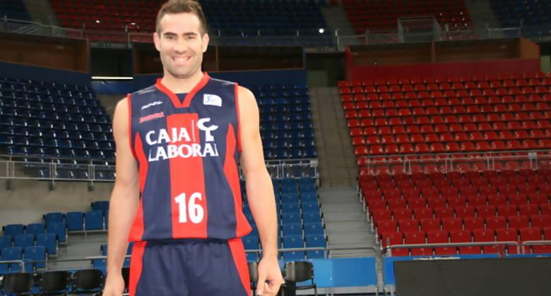 Carlos Cabezas en el Media Day del Baskonia. (Jon de la Presa/Ekaitz Otxoa)