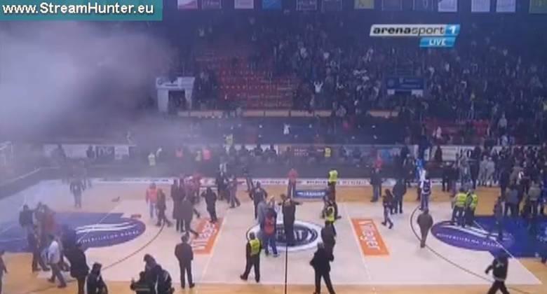 Imagen de los incidentes en la fina de la Copa Serbia