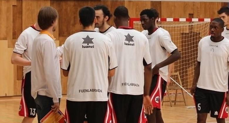 Armando Gómez y su Fuenlabrada (foto web Zornotza)