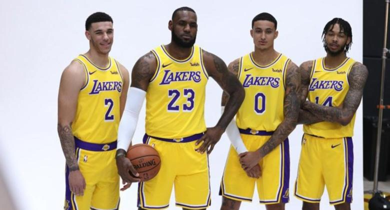 LeBron James derrota a Warriors, ahora con el uniforme de Lakers