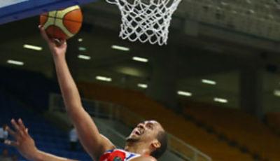 Ricky Sánchez en el preolímpico de Atenas de este año con Puerto Rico (foto fiba.com)