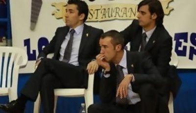 Equipo técnico del Melilla, con Paco Olmos, Gozalo García y Alejandro Alcoba (Foto: Baloncesto Melilla)