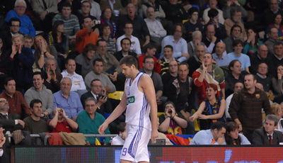 Felipe Reyes, fué silvado todo el partido.<br> (Fotos:dnavarro.es)