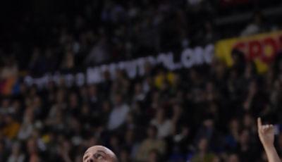 Los rebotes ,una de las claves de que Unicaja fuera por delante casi todo el encuentro.(Foto:www.dnavarro.es)
