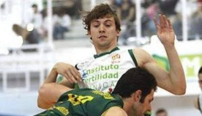 Rai López fallo el tiro decisivo que no empaña su sensacional temporada (Foto: Dpto. Prensa Clínicas Rincón)