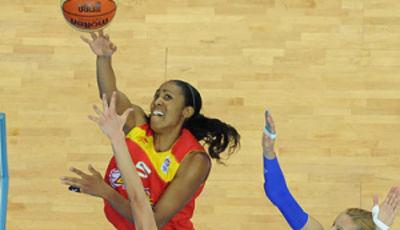Cindy Lima ha cuajado ante Grecia su mejor partido en lo que llevamos de campeonato (foto: fibaeurope.com)