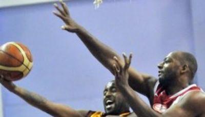 Leon Williams (Erdemir),el MVP de la Jornada ... y una bestia de las zonas (Foto  basketbolgunlugu.blogspot.com)