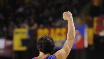 Basile alza el puño tras la victoria que les hace seguir invictos en euroliga. (Foto:dnavarro.es)